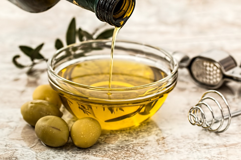 Frisches Olivenöl Extra Vergine